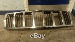 2007 Jeep Grand Cherokee 3.0 Diesel Automatic Breaking Front Chrome Bonnet Grill