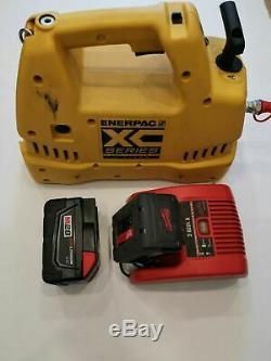 Enerpac 700 bar hydraulic battery pump XC-1202M in good condition! See photo! 2l