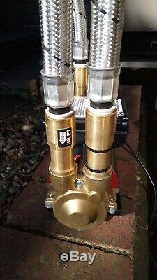 Grundfos Amazon Twin 3.0 Bar Shower Pump Stp-3.0 B