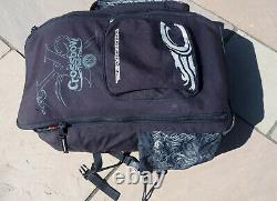 Kitesurfing kite Cabrinha 9 Crossbow together with a pump and a bar