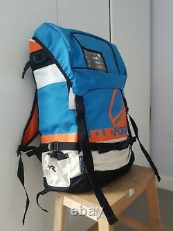 Kitsurfing Kit 7m Liquid Force Kite+Bar+Bag+Pump, Mystic Harness+Vest, Board