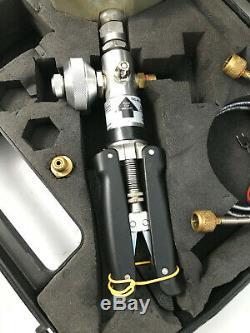 SI TP1-40 Hand Held Test Pump Pressure Calibrator 40 Bar 600 PSI, PC6 Calibrator